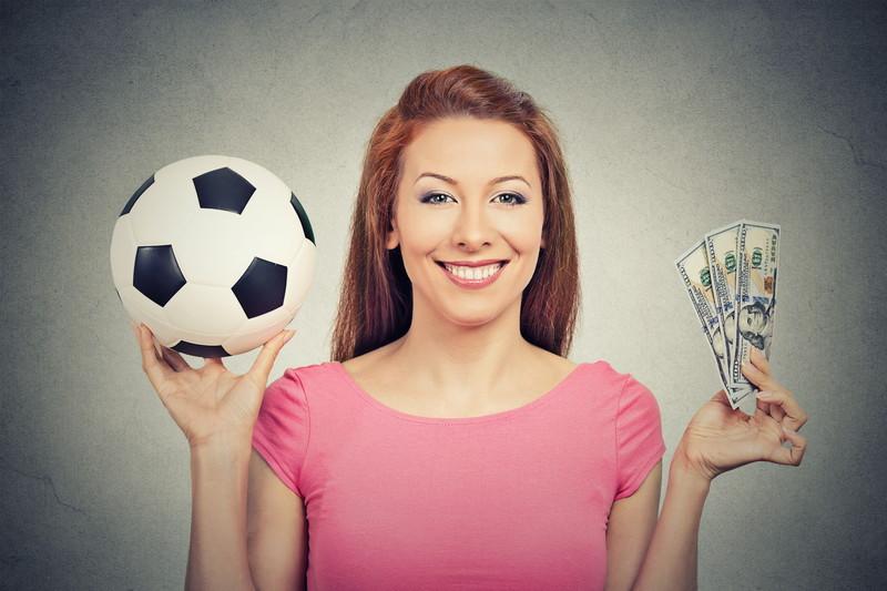 サッカー収入